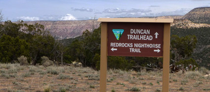 Duncan Trailhead sign