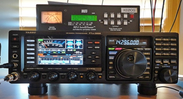 Yaesu FTdx3000 front panel. See text for description. My MFJ-993 sits atop the '3000.